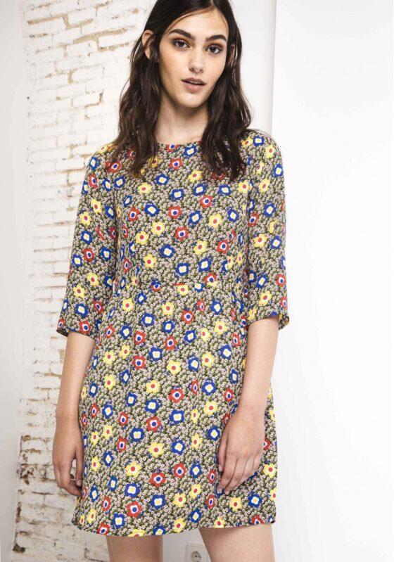 vestido-evase-estampado-flores-azucena