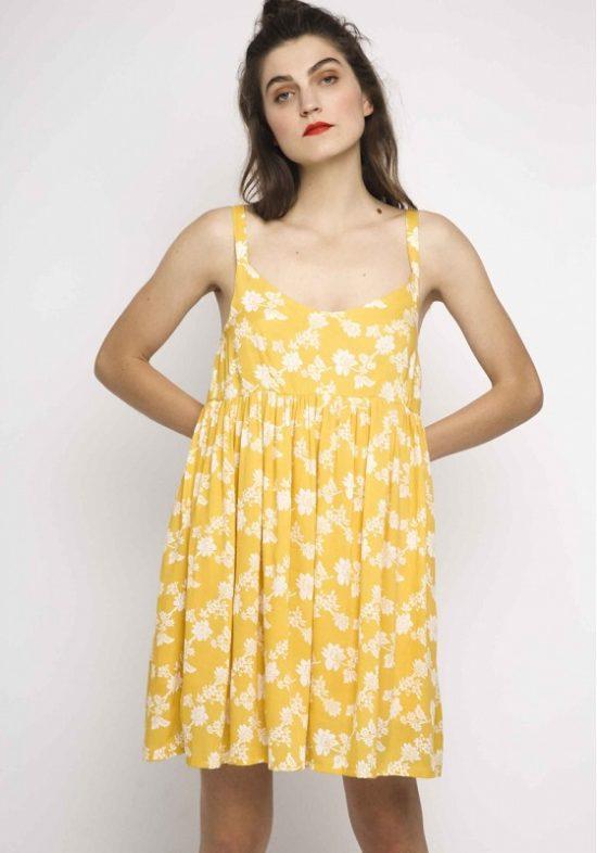 vestido-amarillo-corto-flores