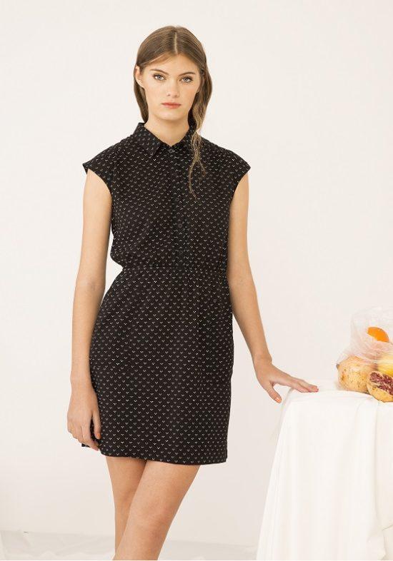 Vestido-camisero-negro-minicorazones