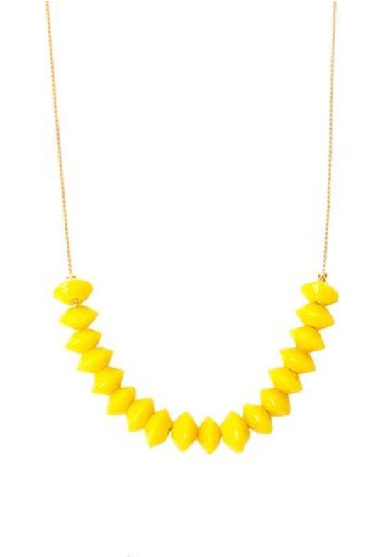 Collar-corto-piedras-checas-amarillo