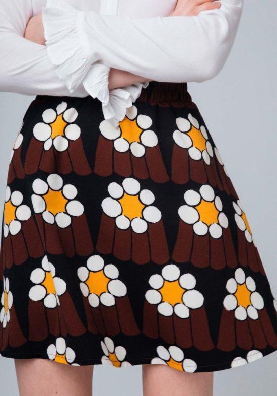 falda-estampada-margaritas-yeye