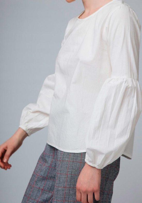 blusa-blanca-abullonada