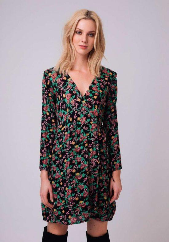 vestido-negro-estampado-flores