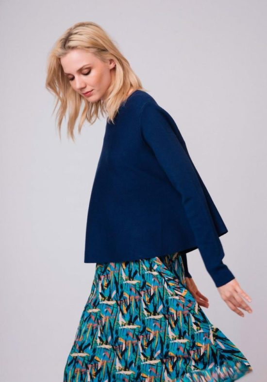 jersey-azul-capa-cuello-redondo
