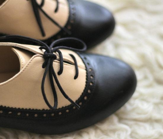 zapatos-cordones-bicolor