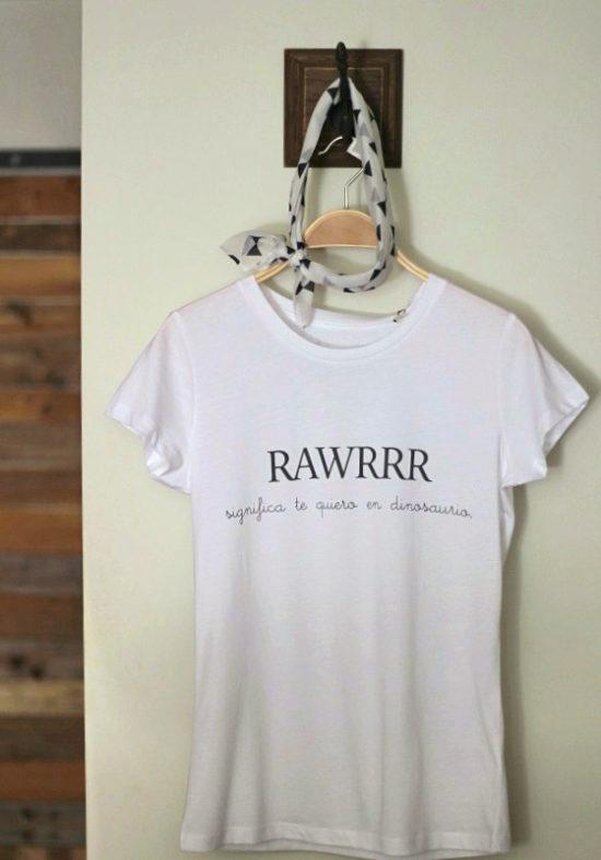 camiseta-blanca-te-quiero-en-dinosaurio