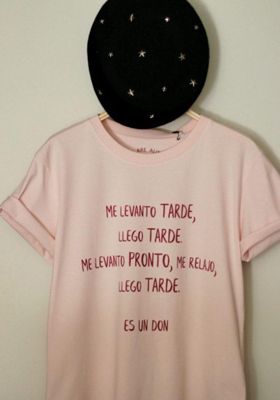 camiseta-rosa-llego-tarde-es-un-don