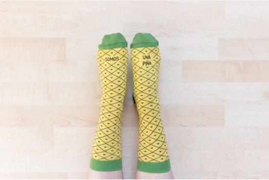 calcetines-frase-somos-una-piña