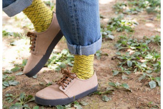 calcetines-somos-una-piña-amarillos