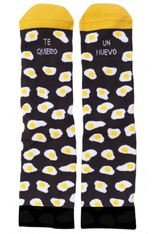 calcetines-te-quiero-un-huevo-gris