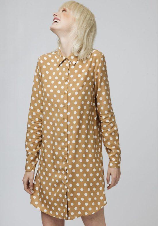 vestido-camisero-beige-topos-blancos