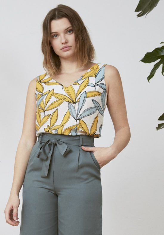 blusa-blanca-estampado-hojas-nunn