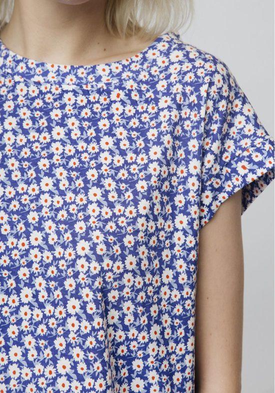 camiseta-algodon-estampado-margaritas