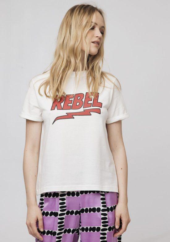 camiseta-blanca-mensaje-rebel