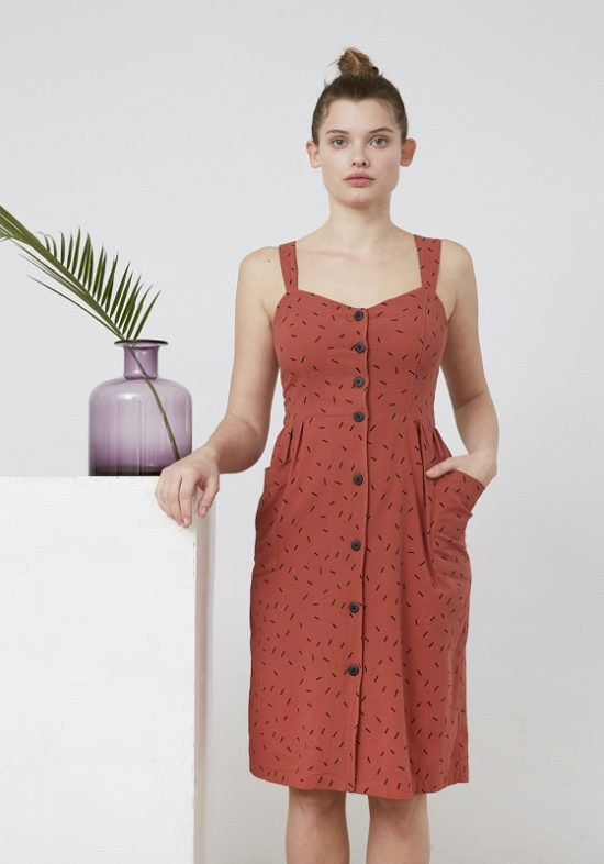 vestido-corto-tirantes-color-teja-estampado
