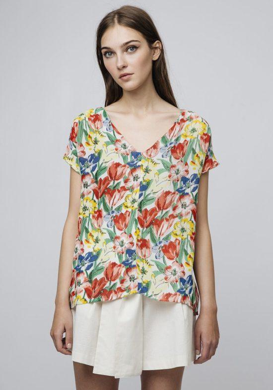 blusa-estampado-tulipanes-colores