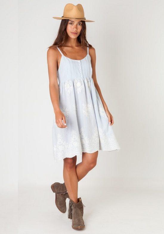 vestido-tirantes-celeste-bordado