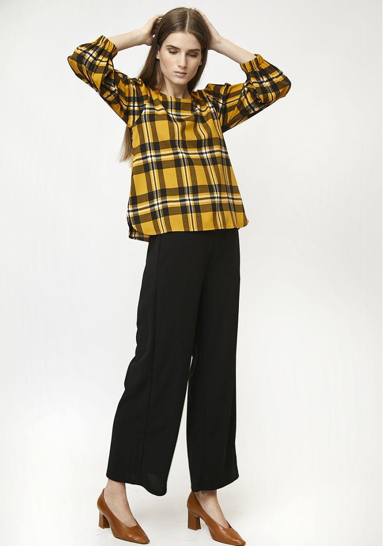 blusa-cuadros-amarillos-mangas-largas