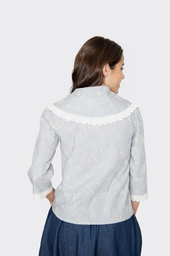 camisa-amalia-bordado-cuello-pico