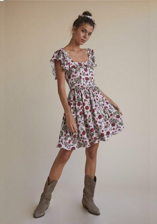 vestido-corto-estampado-flores-falda-vuelo