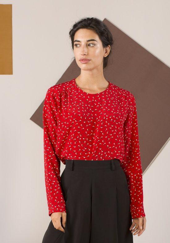 blusa-roja-mangas-largas