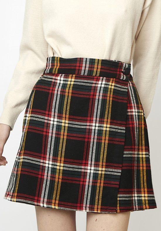falda-corta-cuadros-escoceses-colores