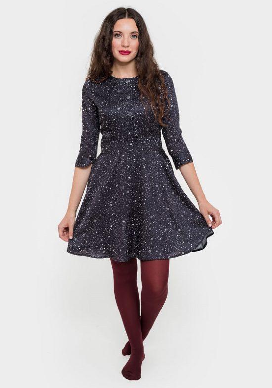 vestido-azul-estampado-estrellas-cuello-redondo