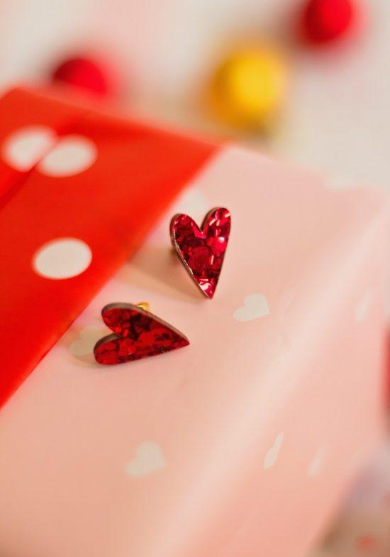 pendientes-corazon-rojo-brilli-metacrilato