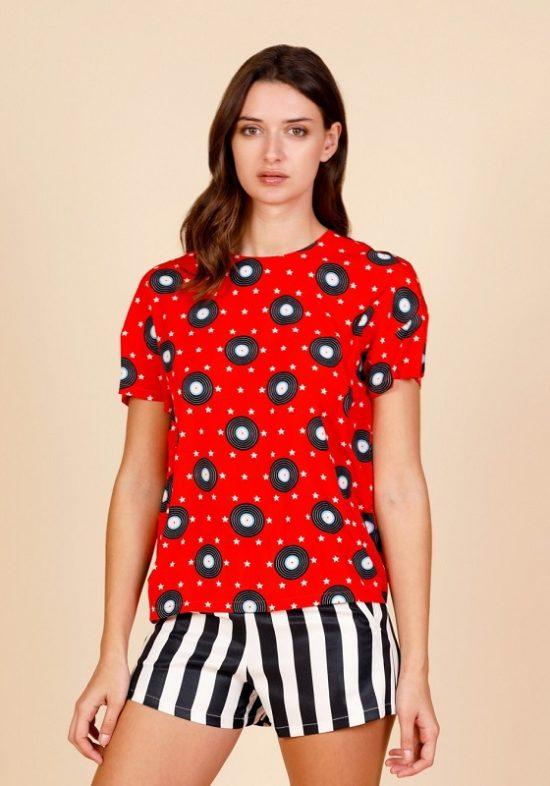camiseta-roja-estampado-vinilos