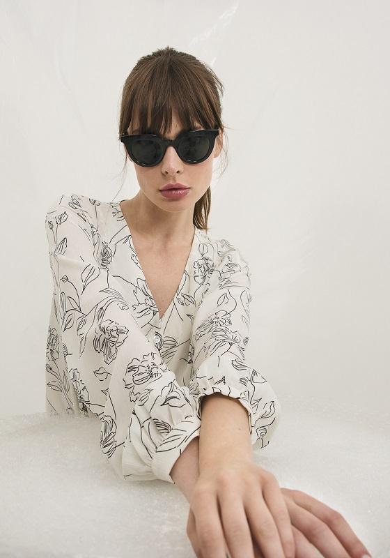 camisa-blanca-deva-estampado-flores