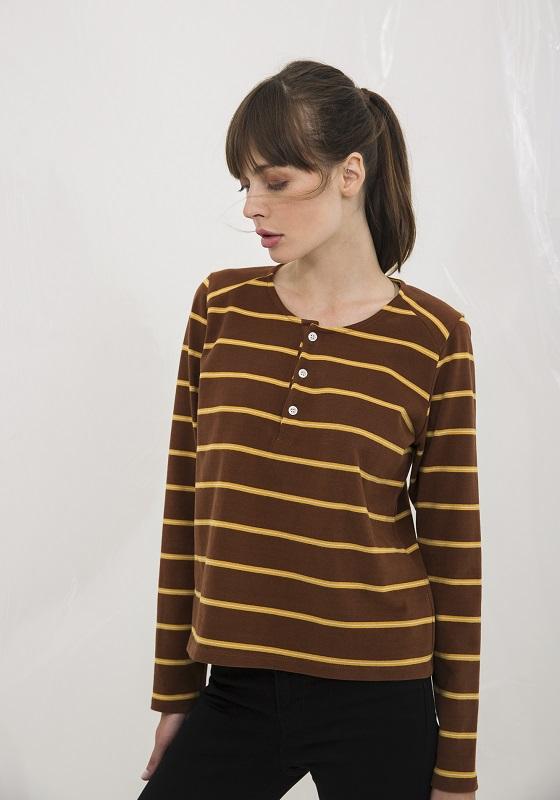 camiseta-marron-rayas-amarillas-odiel