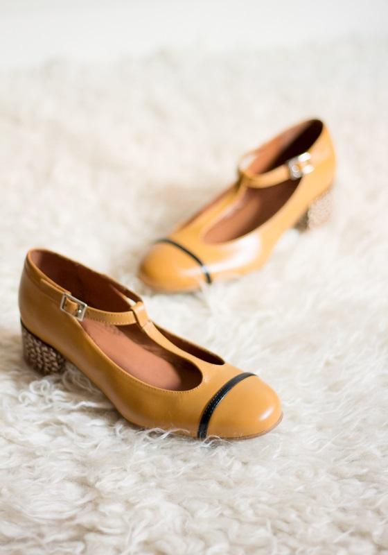 zapatos-merceditas-piel-camel